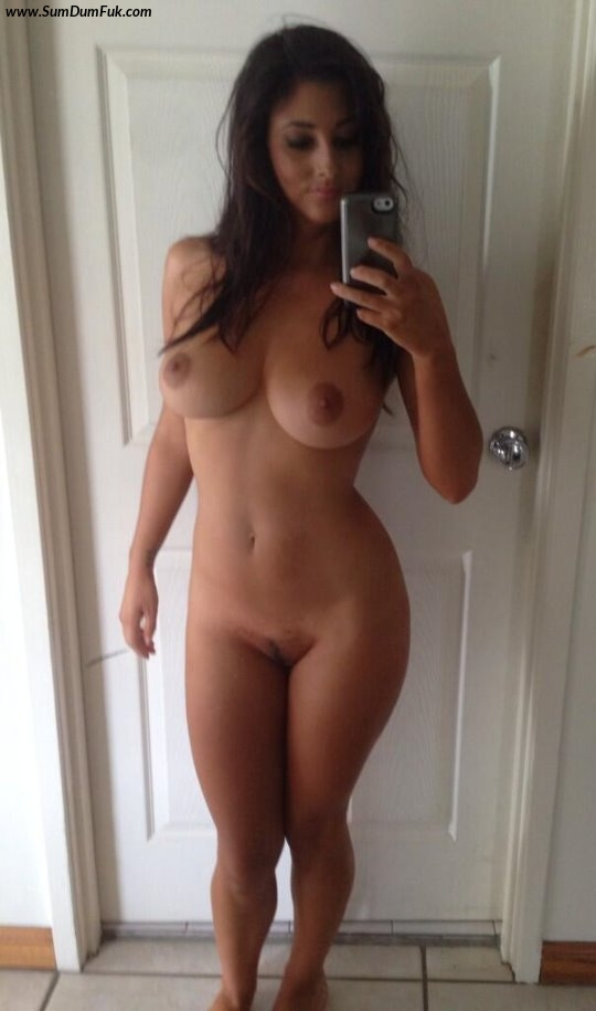 beautiful busty tan bronzed nude models